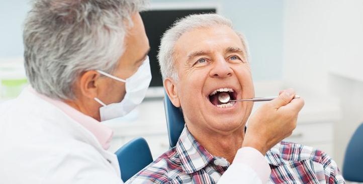 Implantologia Como
